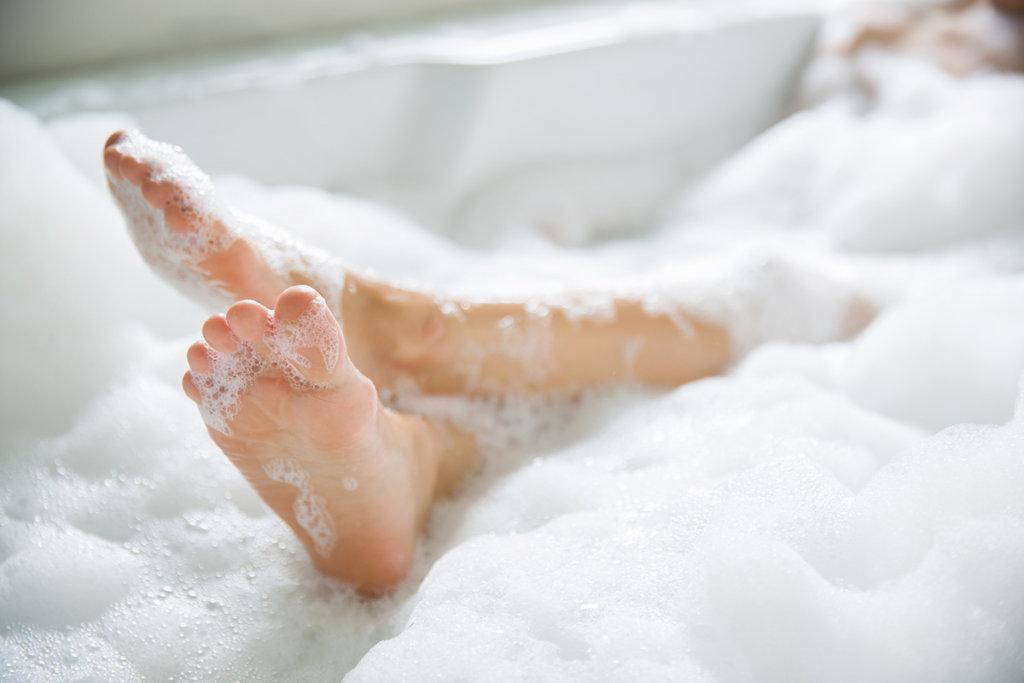 bath with essential oils