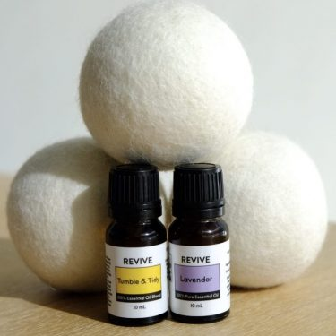 wool dryer ball and essential oil set