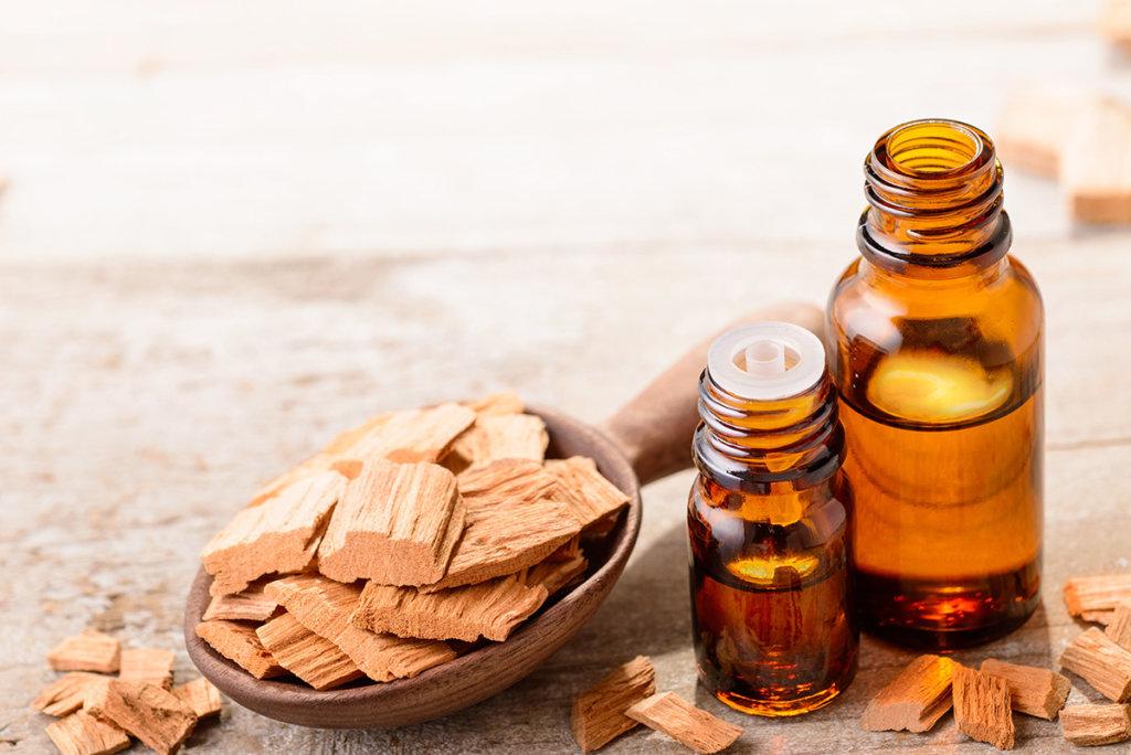 Top 7 Sandalwood Essential Oil Uses - How to Use Sandalwood