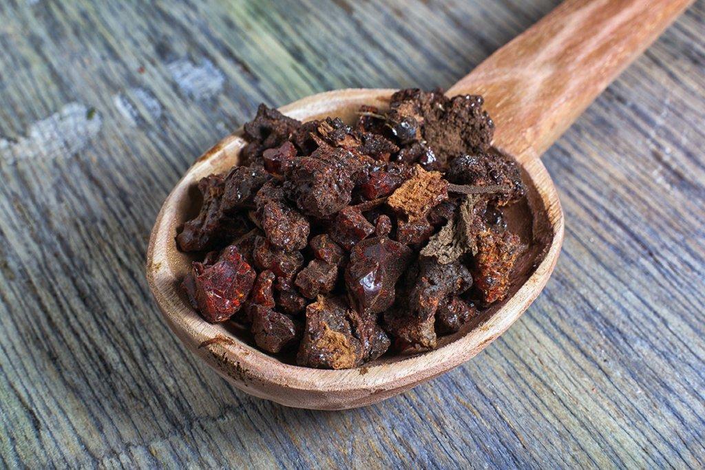 myrrh resin used to make essential oil