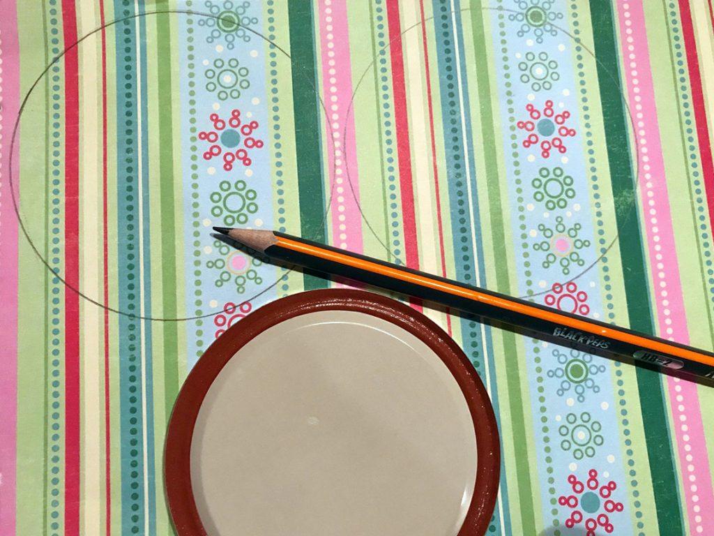 decorate mason jar lid for sugar scrub DIY gift