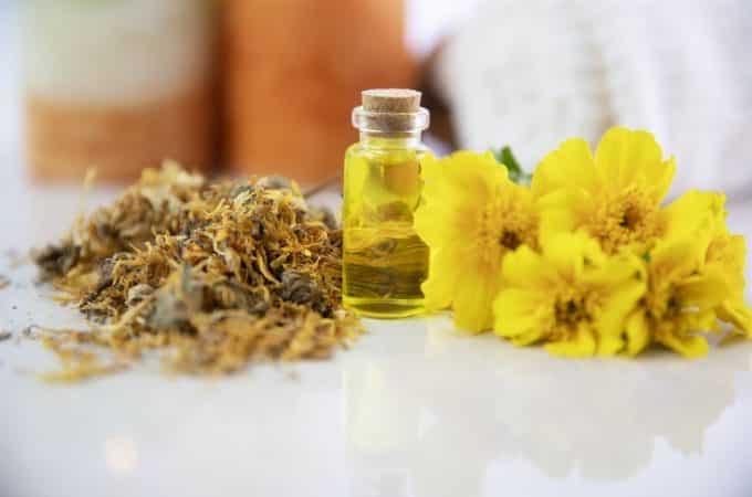 essential oils for balancing the solar plexuschakra