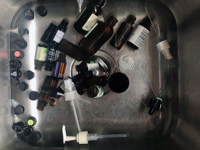 essential oil bottle vinegar soak